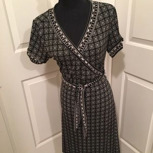 👗NWT AUTHENTIC MAX STUDIO SHORT SLEEVE WRAP DRESS